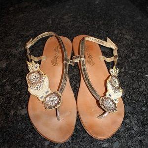 Naughty Monkey  Beautiful sandals 9.5